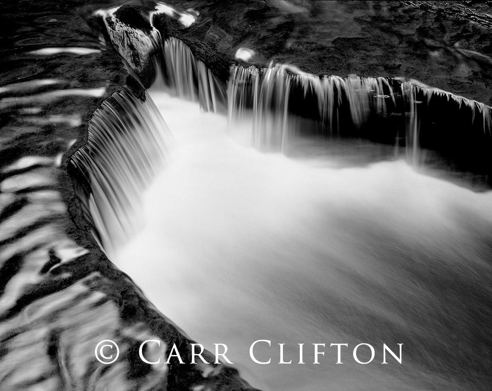 87-132-NY-i_copyright_carr_clifton